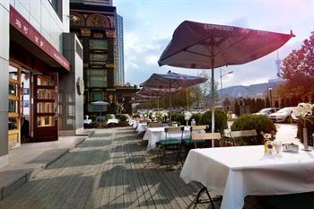 大连凯宾斯基饭店马可波罗(意大利)餐厅户外露台