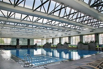 青岛海尔洲际酒店游泳池