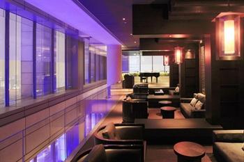 北京柏悦酒店65层北京亮酒吧