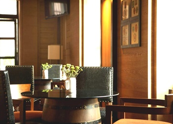 天津海河英迪格酒店蓝天使酒吧