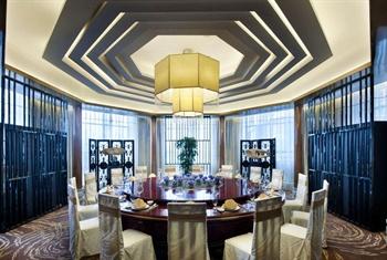 顺德金茂华美达广场酒店中餐厅包房