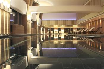 北京柏悦酒店59层游泳池