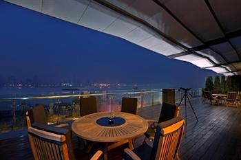 武汉富力威斯汀酒店中国元素餐厅露台